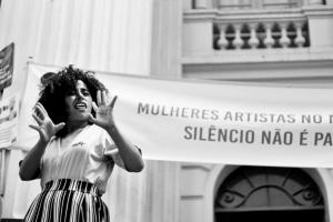 Domingo é dia de Slam das Gurias CWB, uma batalha de poesia curitibana