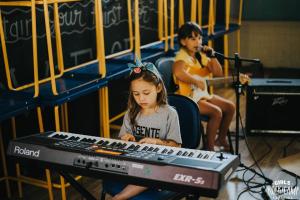 Girls Rock Camp Curitiba lança seu primeiro financiamento coletivo