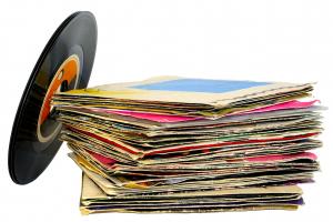 Você curte um disco de vinil? Prepare-se, vem aí peça teatral e feira temáticas