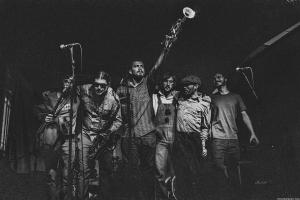 Festival da resistência, do reggae, do freakshow, mangás e até carnaval: 15 rolês aleatórios em Curitiba