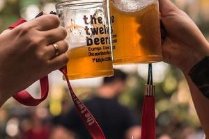 12 cervejas em 12 bares de Curitiba durante 12 horas? Ingressos para The Twelve Beers estão à venda