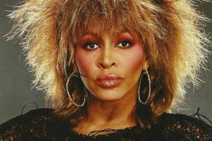 Nos 80 anos de Tina Turner, conheça (ou relembre) dez grandes sucessos da cantora