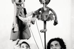 Memória e resistência através do teatro de bonecos paranaense virou trama de livro