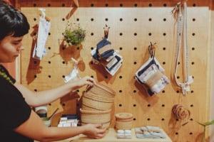 Slow design une marcas curitibanas em primeira loja conceito 'Lixo Zero' da cidade