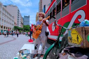 Segunda edição do Festival Plá celebra arte de rua de Curitiba. Veja programação