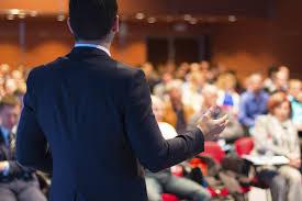 Pesquisa mostra que um terço dos jovens tem medo de falar em público. Veja dicas para sair dessa