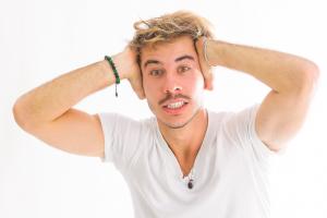 Cantor curitibano lança o single 'Ansiedade', sobre pandemia
