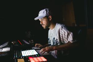 Festa reúne em Curitiba estrelas hip hop e do rap, entre eles o ´rei dos beats´
