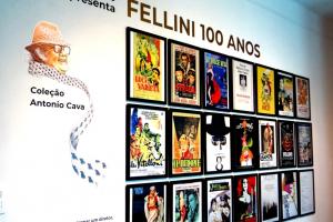 No centenário de Fellini, Curitiba ganha exposição permanente sobre o cineasta, com objetos raros