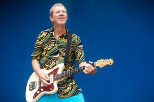 Wildner apresenta novo disco em Curitiba