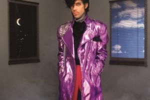 Clássico de Prince, '1999' ganha edição remasterizada com 35 faixas inéditas