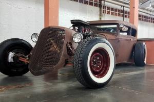 Custom Day reúne música, gastronomia e exposição de carros antigos no Bosque São Cristóvão