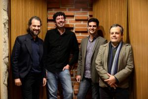 Músicos de Curitiba espalhados pelo mundo lançam CD 'Entalhe no Tempo'
