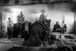 Marca curitibana lança filme 'Gato Preto' sobre skate. Lançamento será no MON