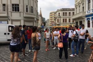 Projeto Curitiba Free Walking leva curitibanos e turistas para conhecer a cidade. Saiba detalhes