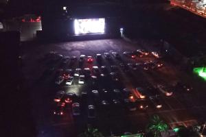 Curitiba e região ganham seis espaços de entretenimento drive-in. Veja fotos do primeiro a estrear