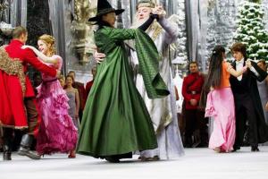 Com baile temático do universo Harry Potter, Curitiba se despede do inverno