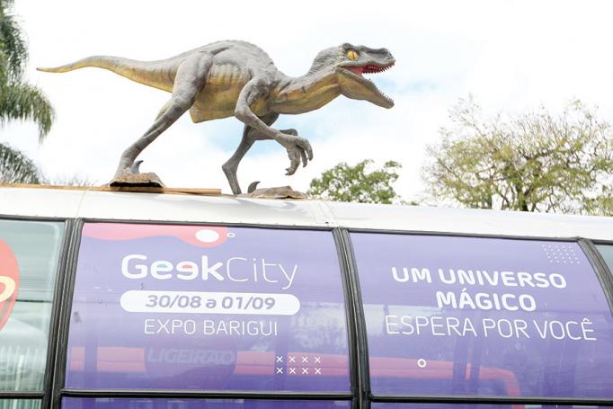 Dinossauros no ponto de ônibus
