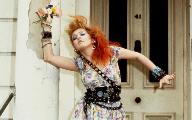 Banda Delorean resgata música inusitada de Cyndi Lauper para o seu repertório.