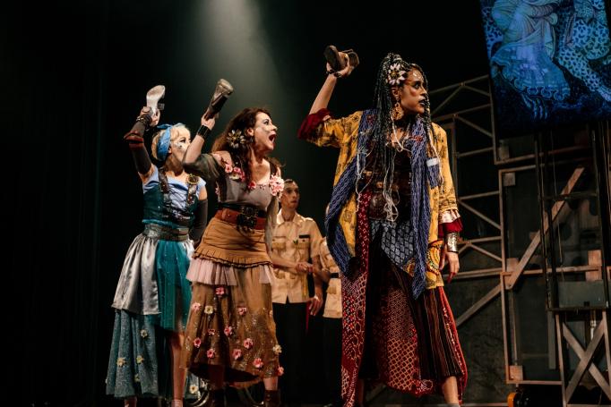 'Cinderela' no festival de teatro infantil: releitura moderna de um clássico