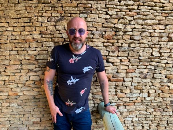 Fabrício Carpinejar: mais de 20 prêmios literários, sendo duas vezes o Prêmio Jabuti