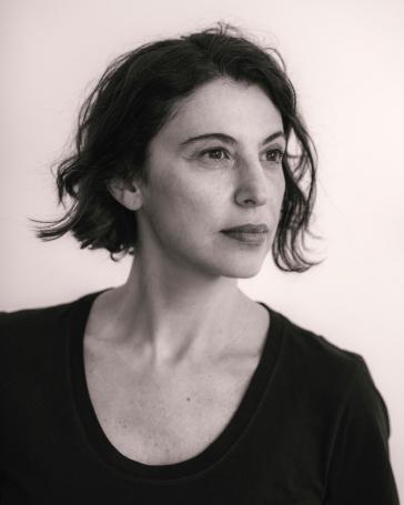 """Giovana Madalosso: """"Minhas preocupações são a estética e a ética"""""""