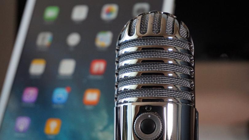 Ter um microfone profissional é um dos principais requisitos para conseguir atingir os objetivos.