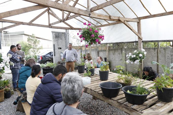 Um dia de curso no Mago Jardineiro: pessoas procuram se conectar