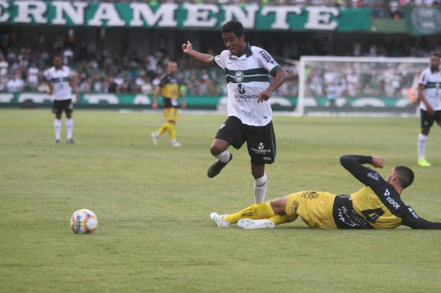 Coritiba x FC Cascavel, no Couto Pereira