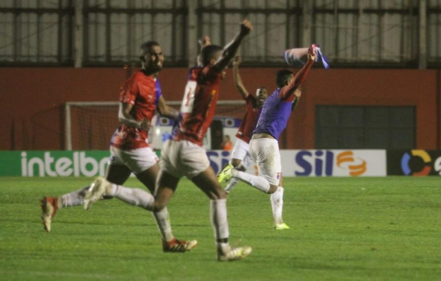 Paraná Clube x Bahia de Feira