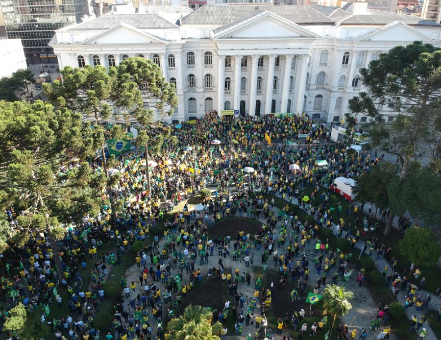 Manifestação pró-Bolsonaro em Curitiba