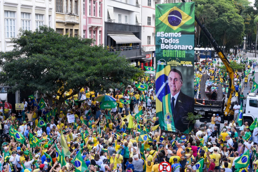Manifestação de apoio a Bolsonaro em Curitiba