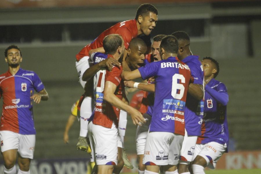 Paraná Clube x Oeste