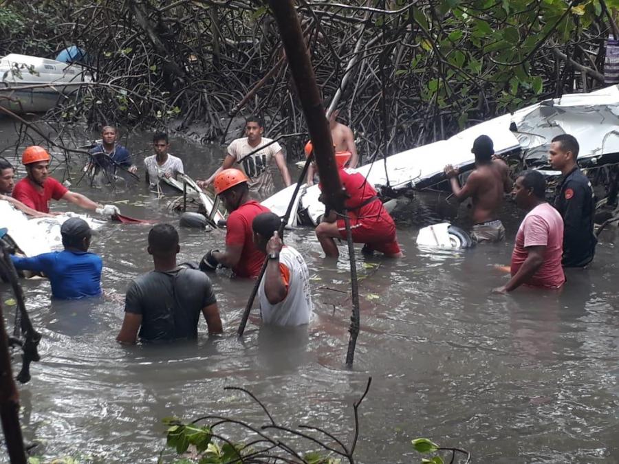 Veja fotos do resgate do acidente de avião que matou o cantor Gabriel Diniz