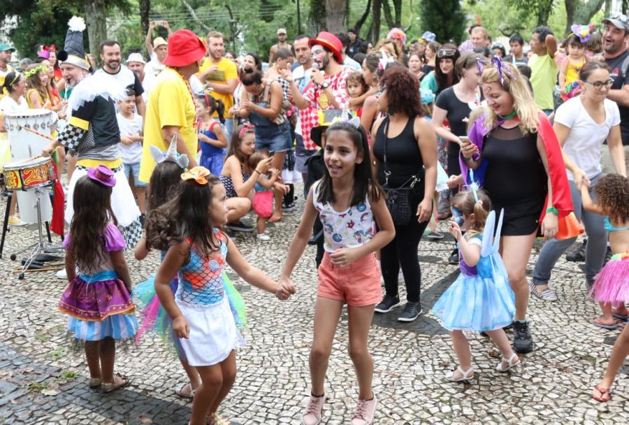 Garibaldinhos abre o Pré-Carnaval em Curitiba