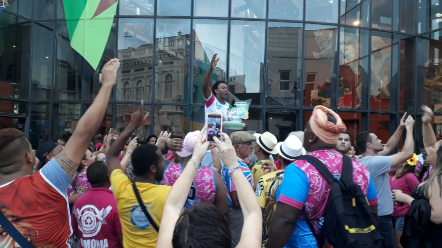 Confira a festa da Enamorados, campeã do Carnaval 2020 de Curitiba