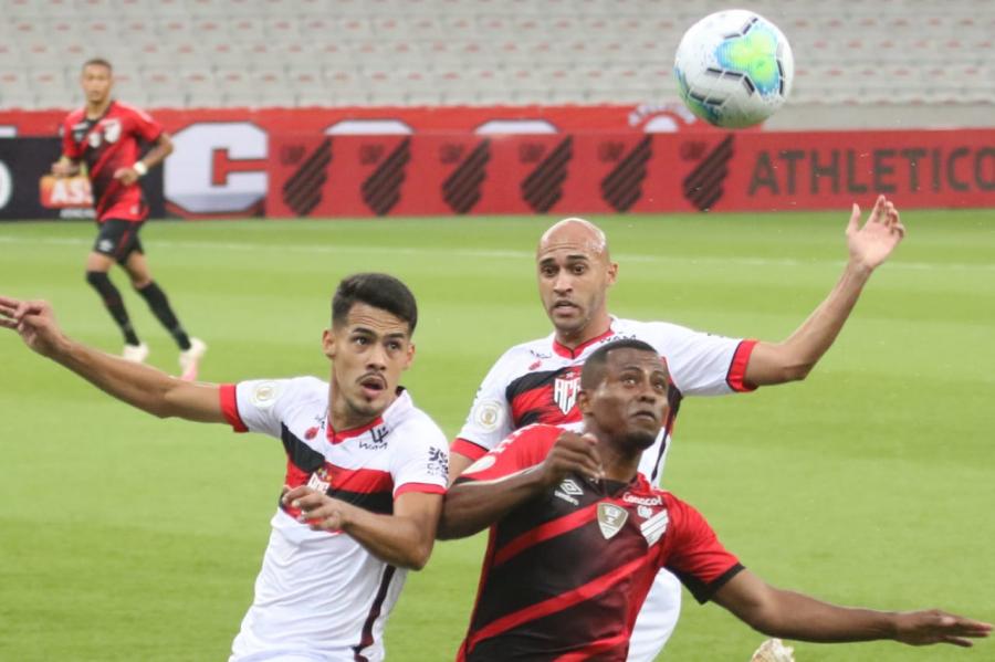 Athletico x Atlético-GO