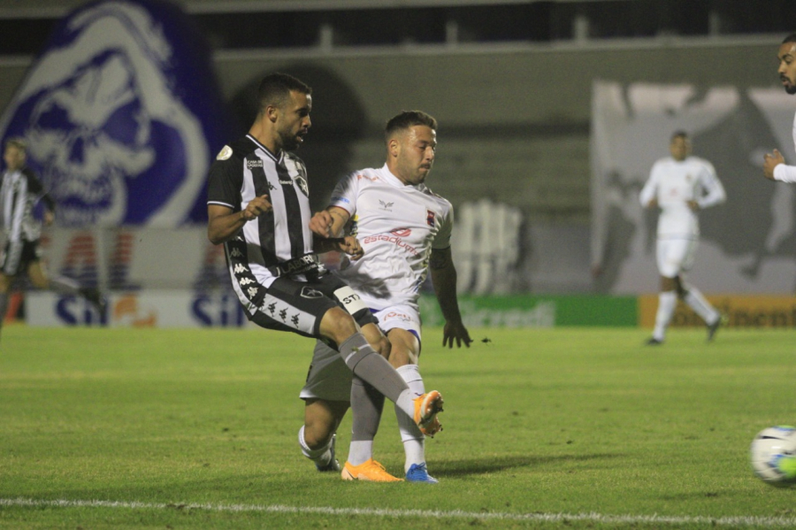 Paraná 1x2 Botafogo, na Vila Capanema