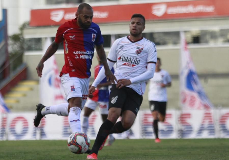 Paraná 0x1 Athletico, na Vila Capanema