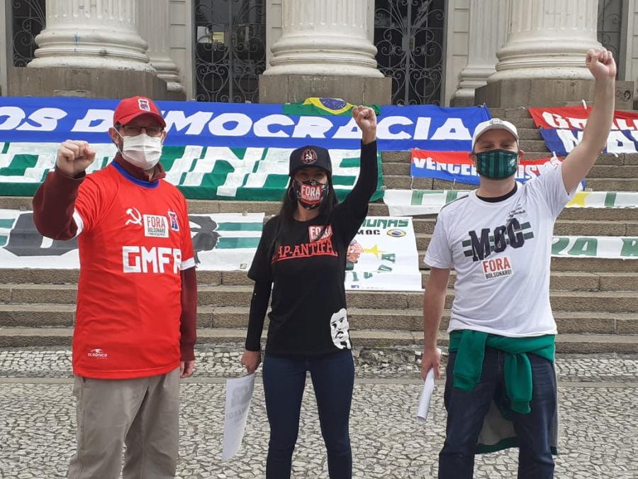Manifestação de torcidas contra Bolsonaro e contra o fascismo