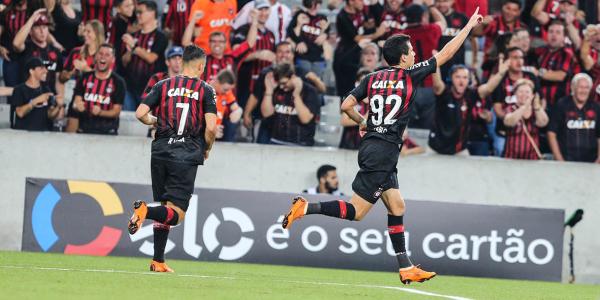 Pablo comemora o primeiro gol do Atl\u00e9tico na partida