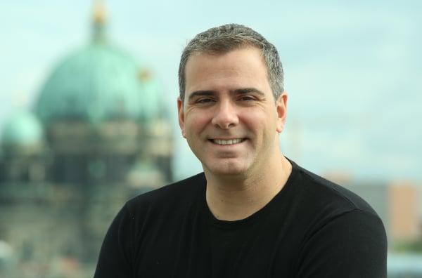 O escritor e jornalista Rodrigo Alvarez.