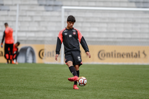 """""""O meia Matheus Anjos, 19 anos: um dos mais jovens do Atl\u00e9tico"""""""