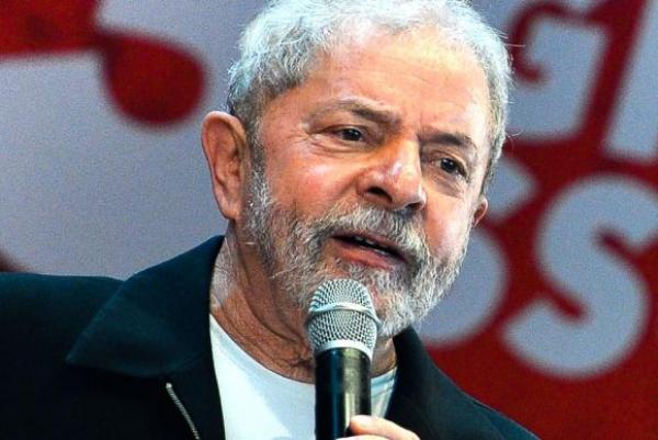 O ex-presidente Luiz In\u00e1cio Lula da Silva; Defesa vai solicitar ao STF a anula\u00e7\u00e3o de sua pris\u00e3o.