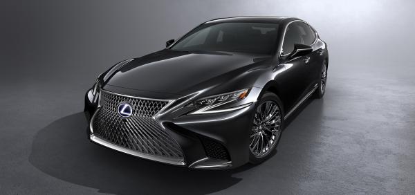 """""""Lexus LS: motor V6 combinado a 2 propulsores el\u00e9tricos rendem 359 cv"""""""