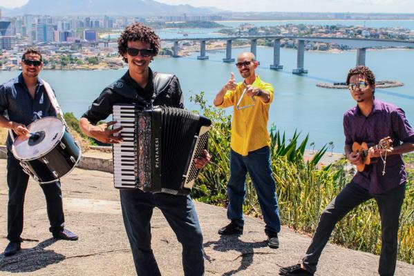 Trio Clandestino.