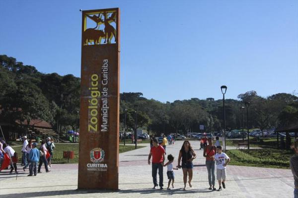 Zool\u00f3gico de Curitiba ter\u00e1 hor\u00e1rio especial por causa do feriado de 1\u00ba de Maio