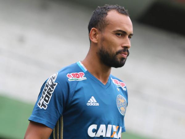 """""""Simi\u00e3o: escolhido para o lugar de Vitor Carvalho"""""""