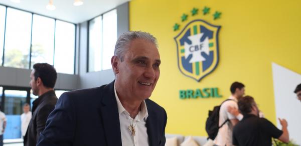 """""""Tite: sele\u00e7\u00e3o brasileira come\u00e7a prepara\u00e7\u00e3o para a Copa nesta segunda-feira (21)"""""""