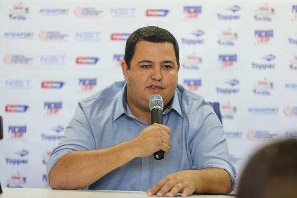 O presidente do Paran\u00e1 Clube, Leonardo de Oliveira